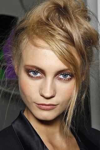 коричневый мымчатый макияж глаз