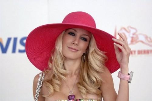 модная летняя шляпа
