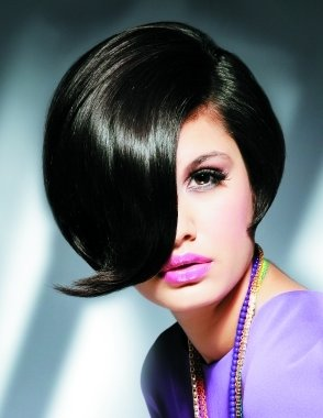 Прически с завивкой концов прядей волос наружу