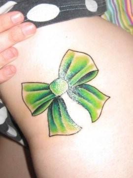 Татуировки с бантиками