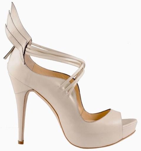 «крылатая» обувь
