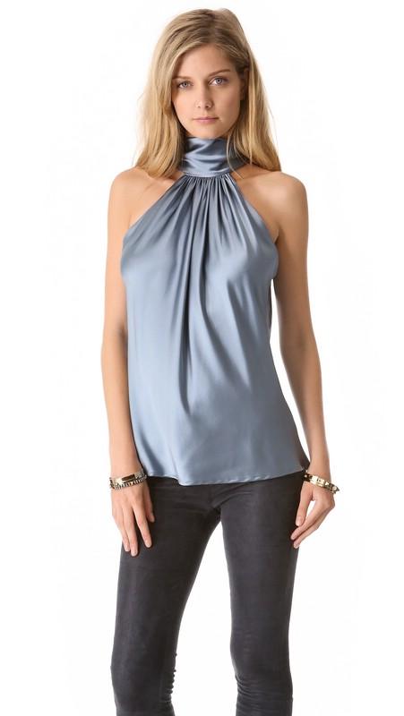 В моде шелковые топы и блузки